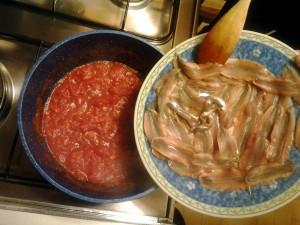 5 metti acciughe con pomodoro