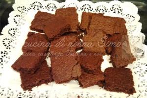 Brownies di pane e cioccolato-