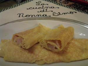 Omelette ai wurstel e mozzarella