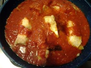 10 unisci la salsa di pomodoro