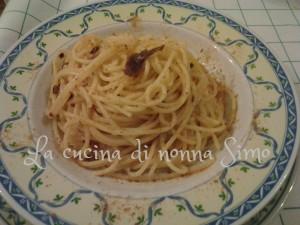 Spaghetti aglio e olio saporiti