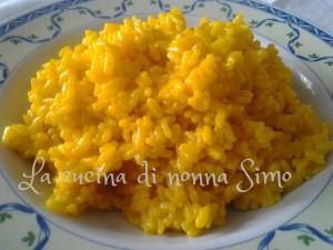 Risotto allo zafferano con crema di parmigiano