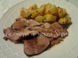 Stinco di maiale con patate p